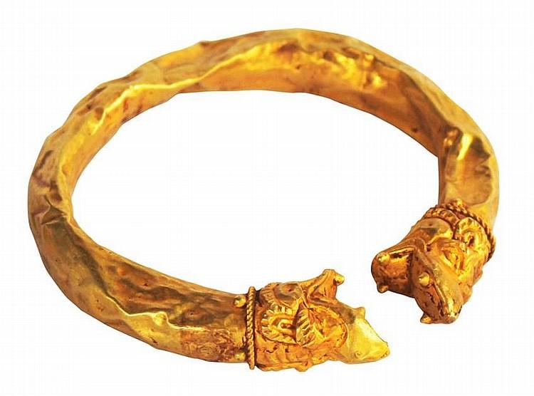 Pre-Hispanic Gold Armlet