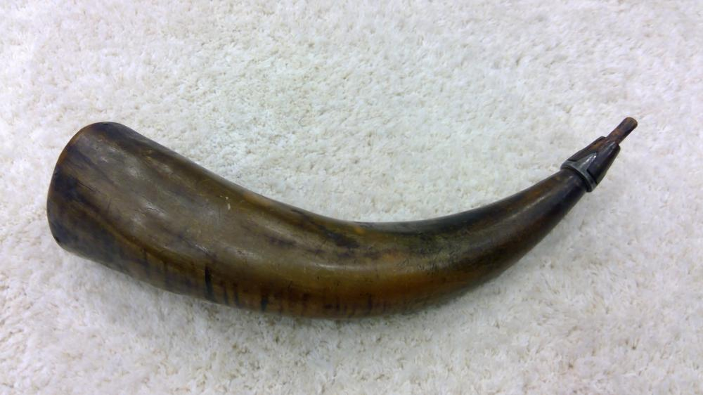 A Good 1840's Era Powder Horn W/ Pewter Inlay At The Spout