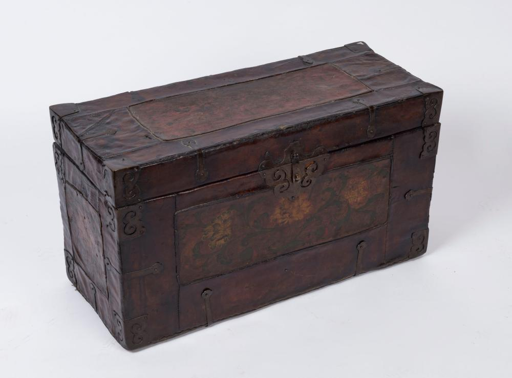 A Chinese lift-top trunk, leather bound with iron fittings and hand-painted floral panels, early to mid 20th century, 43cm high, 76cm wide, 31cm deep
