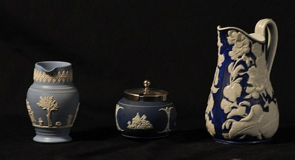 SET OF THREE WEDGEWOOD STYLE CERAMIC PIECES