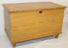 Southern Piedmont Small Pine Blanket Chest