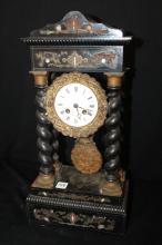 Antique Clock w/ 4 twisted pillars w/ inlay