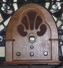 Art Deco style Thomas brand AM/FM radio with wooden case