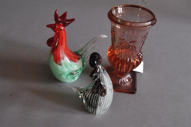 Set of three pieces of glass including two pieces of Murano in the form of roosters and a pink glass vase with Neoclassic figure