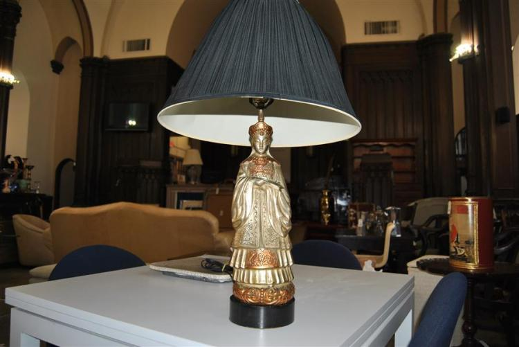 Figural Asian table lamp
