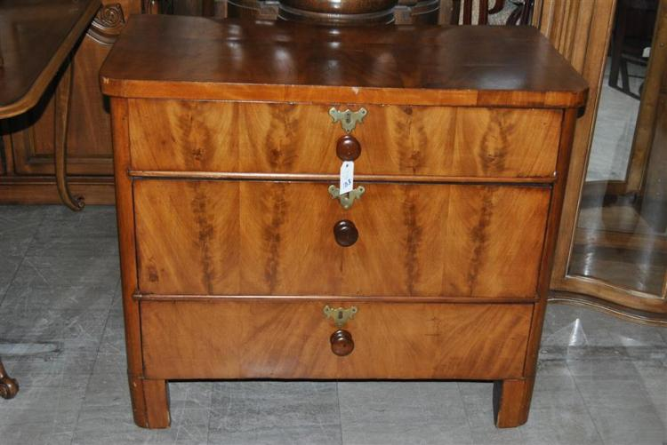 Antique burl walnut bachelor chest - height: 33