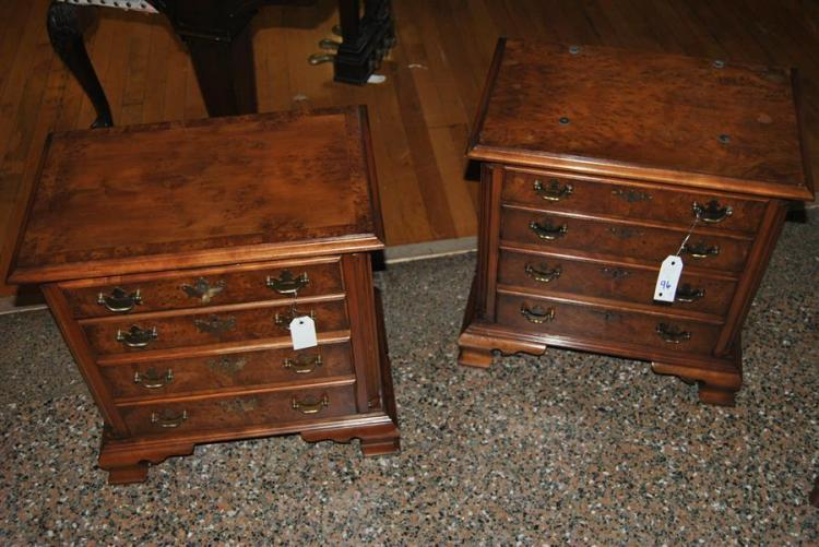 Pair of burl walnut nightstands - height: 21