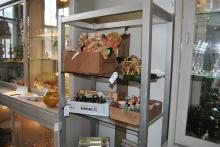 White metal and glass shelf unit