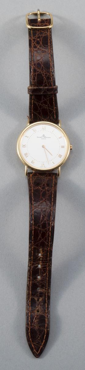 Fine Gent''s 18K Yellow Gold Baume and Mercier Classical 1830 Quartz Watch 3163