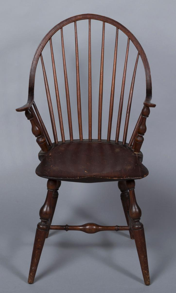 New York continuous arm windsor chair
