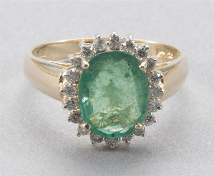 Ladies emerald 14k yellow gold ring