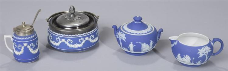 Four Pieces Wedgwood Dip Blue and White Jasperware