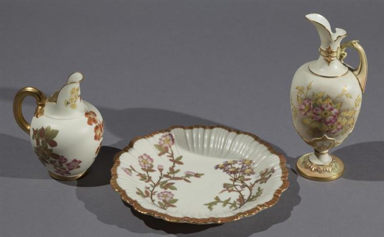 Three Pieces of Worcester Porcelain Items