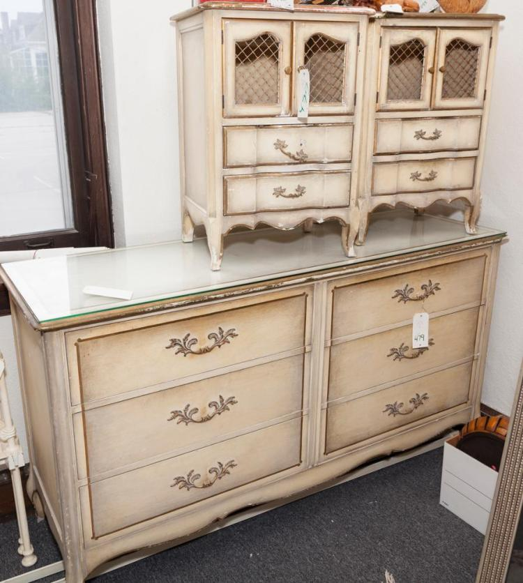 Louis Xv Design Creme Lacque Bedroom Set Having A Six Drawer