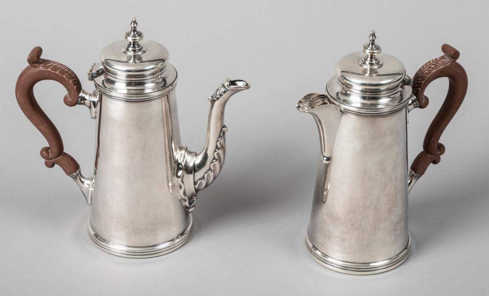 A Pairing of English Silver Plate Hotelets