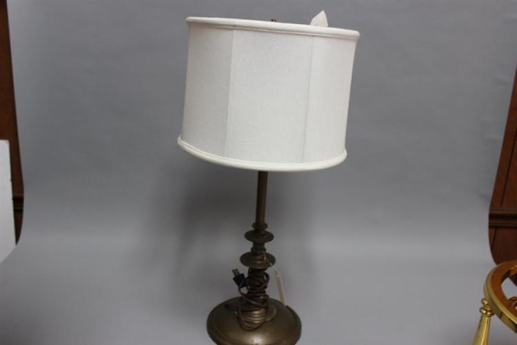 Brass Table Lamp With Shade And Asian Design Finial
