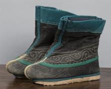 Pair of Embroidered Fabric Boots.