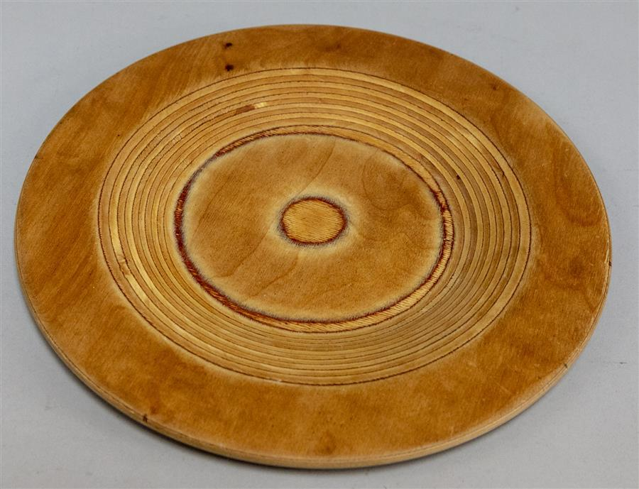 Design Saarinen Wood Charger