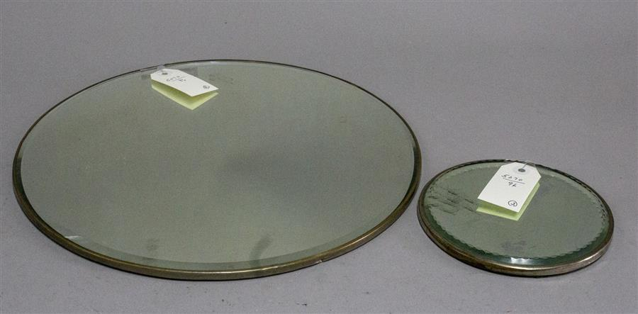Two mirrored plateaus (diameters: 14 and 6 inches)