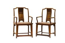 A PAIR OF HUANGHUALI'SOUTHERN OFFICIAL'S HAT' ARMCHAIRS, NANGUANMAOYI