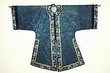 Chinese Silk Embroidered Robe, 18th/19th century