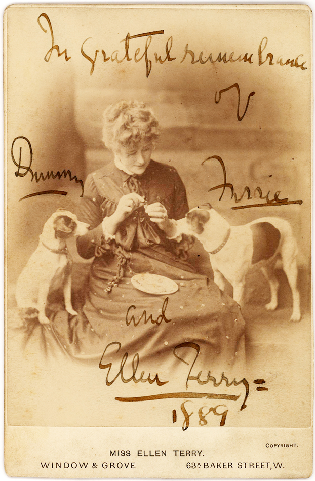 Charming Ellen Terry Signed Photograph Feeding Her 2 Dogs