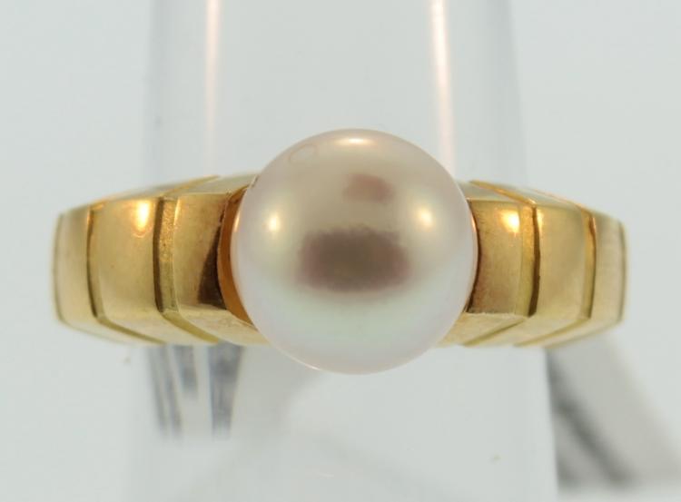 Van Cleef & Arpels 18K Pearl Ring