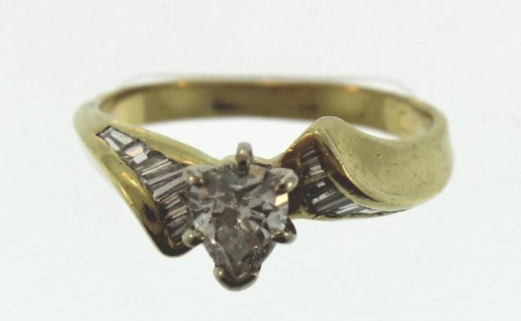 14K Yellow Gold Pear Shaped Diamond Ring