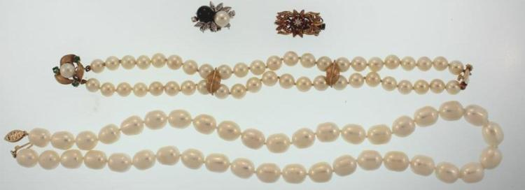 Gold Mounted Pearl Necklace and Bracelet
