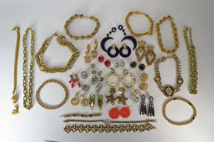 Large Lot of Costume chain link Necklaces and Earr