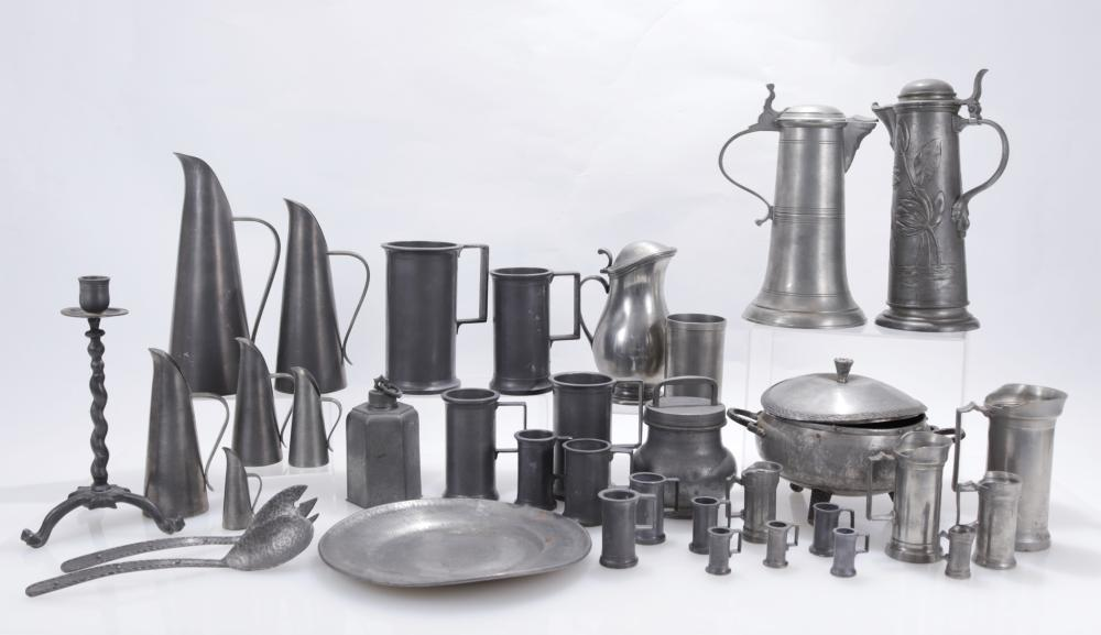 GROUP OF 32 CONTINENTAL & ENGLISH PEWTER,
