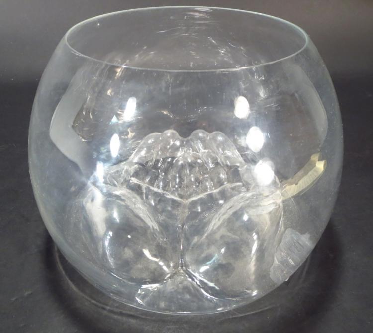 Do-Ho Soh Glass Bowl Norton Xmas Project 2004