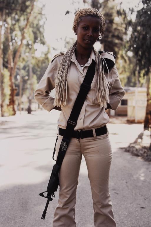 Ashkan Sahihi Ten Photos Israeli Female Soldiers