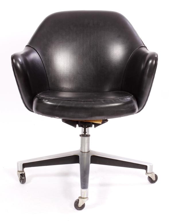 Eero Saarinen for Knoll Executive Office Armchair