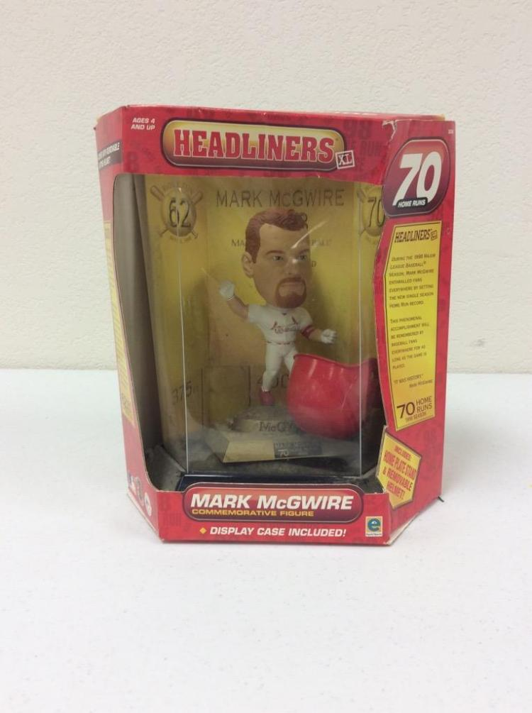 Headliners Mark McGuire Commemorative Figure - 70 Home Runs Edition
