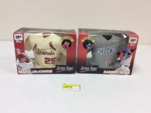 2 Topps 1999 Jersey Topps, Inaugural Edition - Mark McGwire and Sammy Sosa