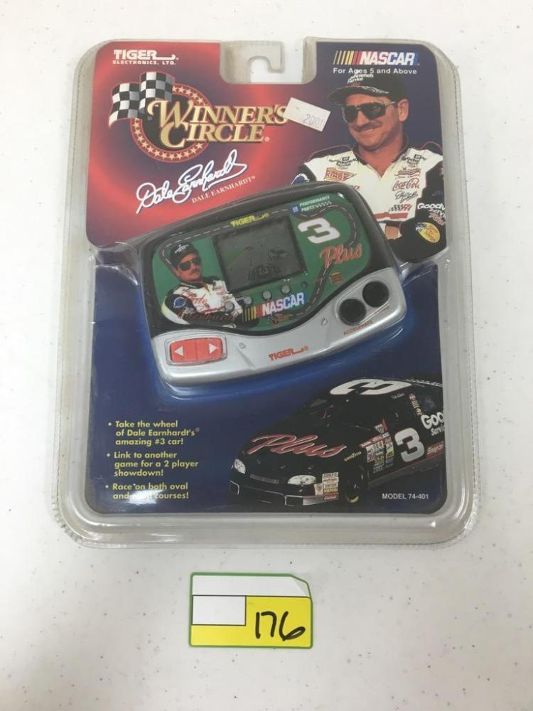 Tiger Electronics Winner's Circle Game - Dale Earnhardt