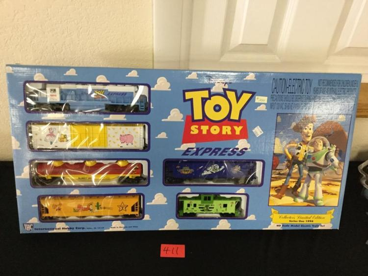 Vintage Toy Story Ho Scale Model Electric Train Set Collect