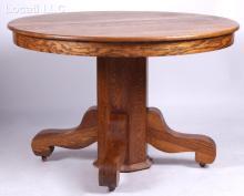 An Circa 1900 Oak Dining Table