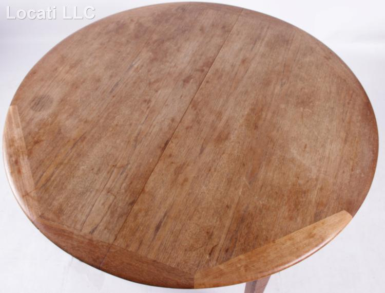 A Scandinavian Dining Table and Chairs : H4529 L116044198 from www.invaluable.co.uk size 750 x 570 jpeg 44kB