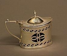 An Edwardian Mustard Pot. Birmingham 1910. In