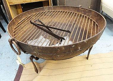 KUDAI FIRE BOWL, Indian, iron on stand with grill,