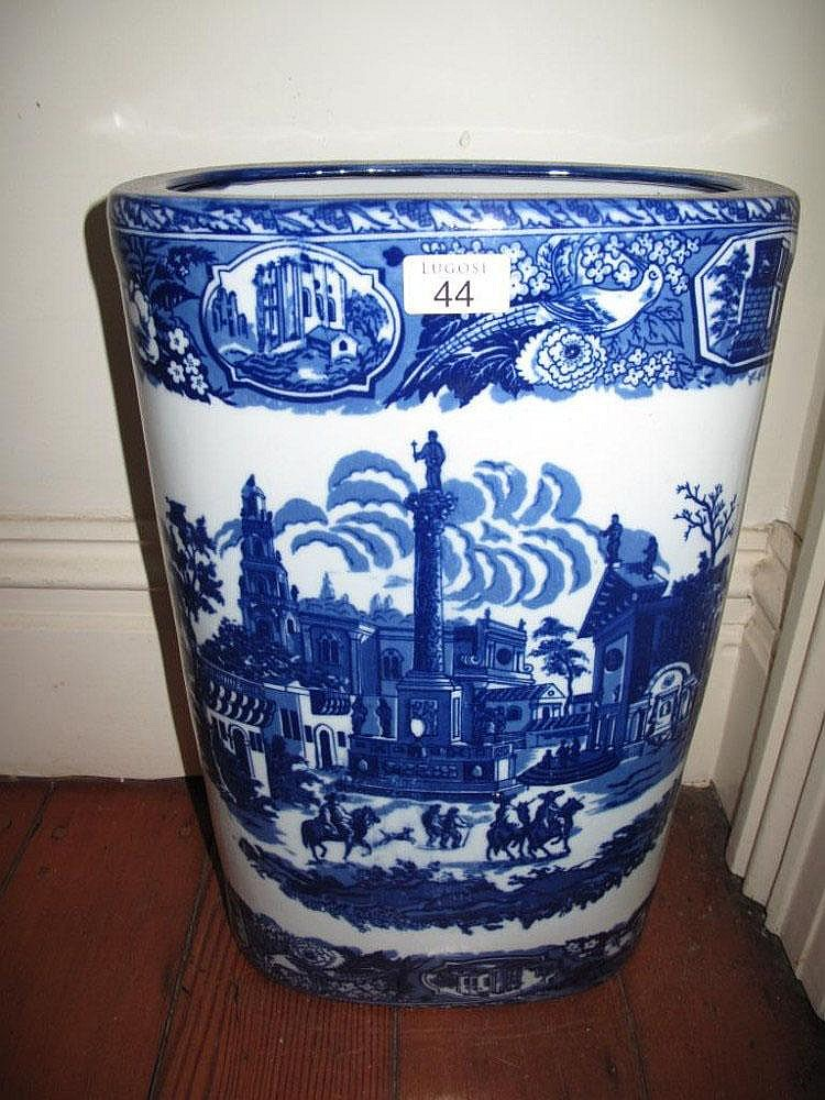 Blue & white porcelain umberella/stick stand