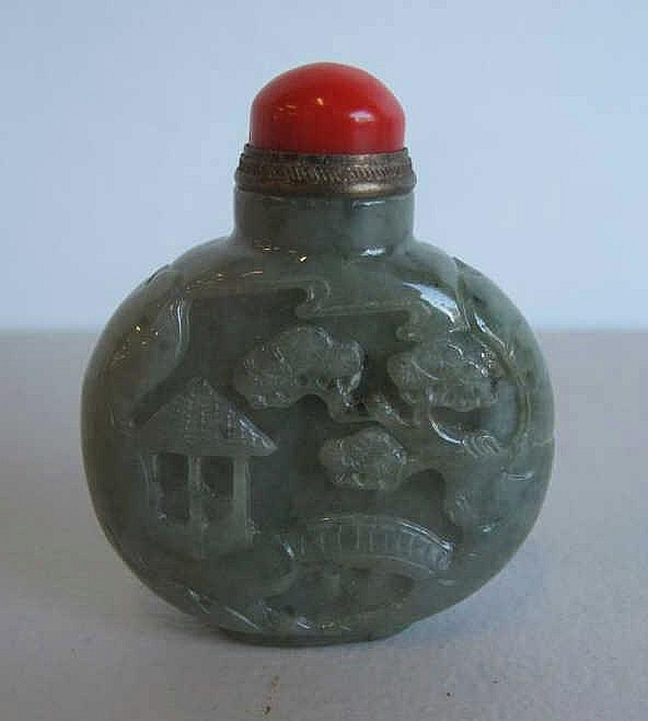 Chinese carved jade snuff bottle coral stopper measures 6.2cms Ht