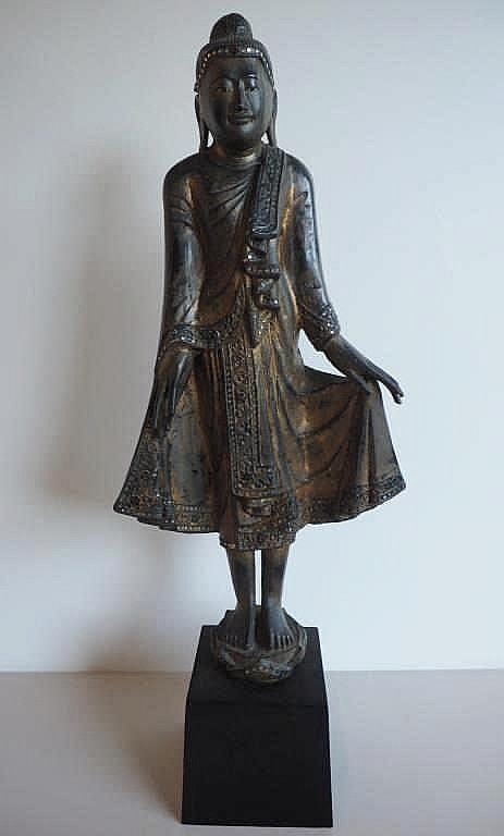 19thC Thai gilded lacquer wooden standing Buddha measures 77.5cm x94cm incl