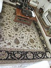 Quality neutral ground wool floor rug 2.5mts