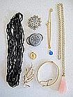 Various costume jewellery in blue/white purse