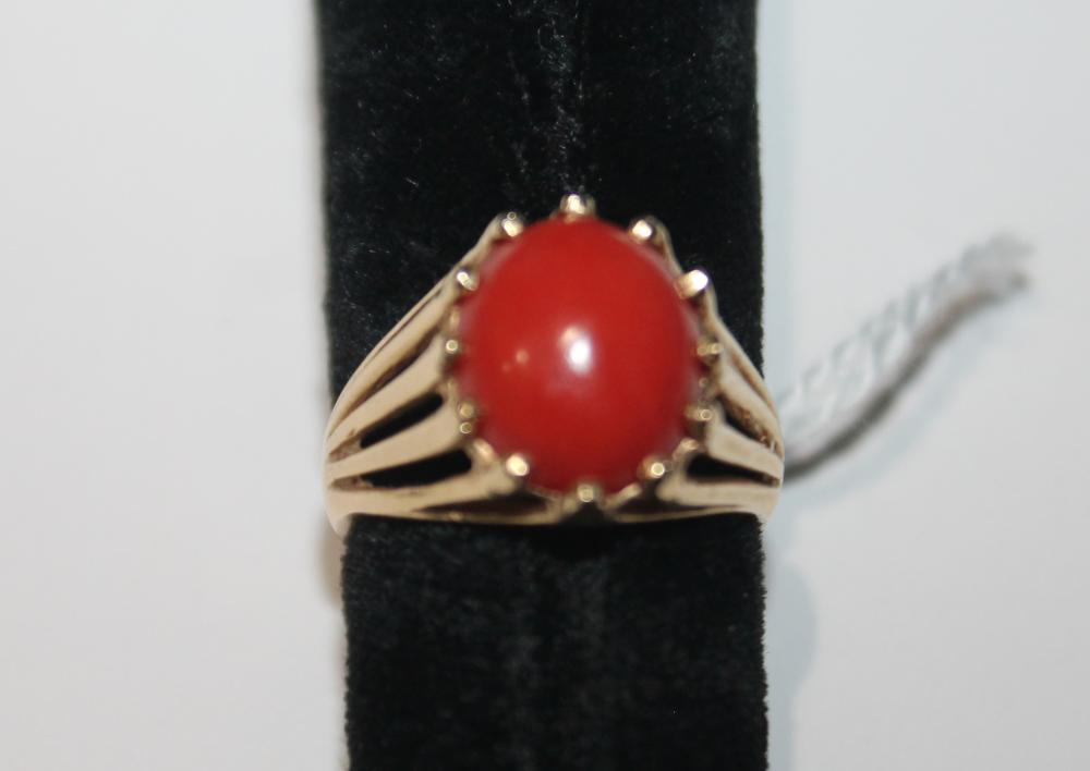 JEWELRY - CORAL STONE RING MARKED 14K