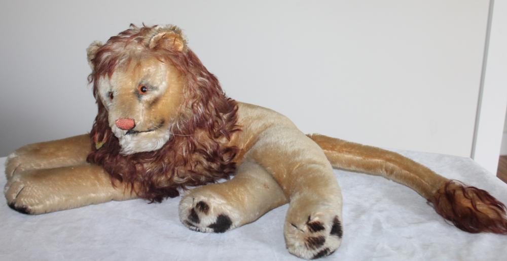 Vintage 1950's Steiff Mohair Laying Leo Lion