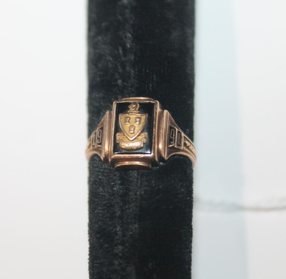 JEWELRY - CLASS RING MARKED 10k GOLD